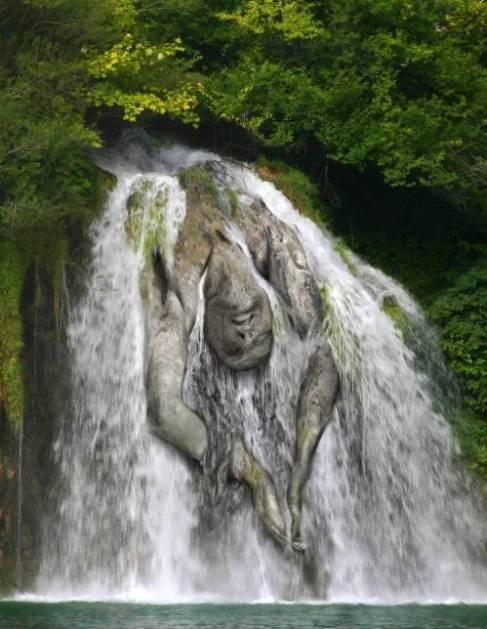 mujer-cascada2